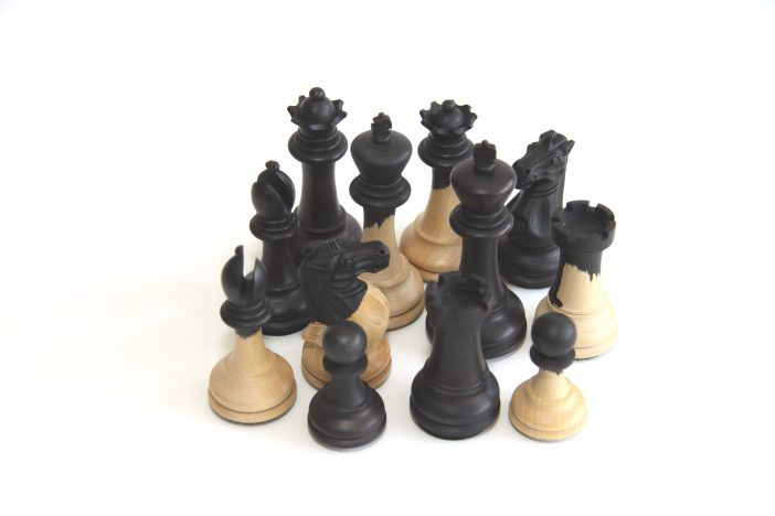 graceful-chess-pieces
