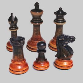 chess-pieces-brown-green