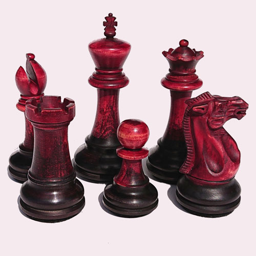chess-pieces-on-color